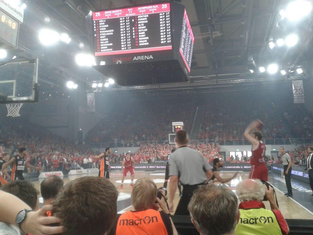 brose-baskets-bamberg-deutscher-meister-2016-2